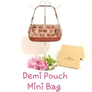 💯 Authentic Coach Demi Pouch Mini Bag D04J-7027